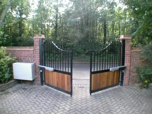 Timber Gates Cuffley